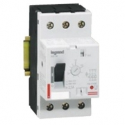 Автомат для защиты электродвигателя Legrand 1A термомагнитный расцепитель
