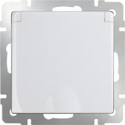 Розетка с заземлением и шторками белая Werkel a028830 WL01-SKGS-01-IP44
