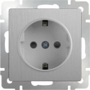 Розетка с заземлением и шторками серебряная рифленая Werkel a035649 WL09-SKGS-01-IP44
