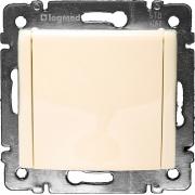 Розетка с заземляющим контактом и крышкой (2К+З IP-20) Legrand Valena (Сл. Кость)